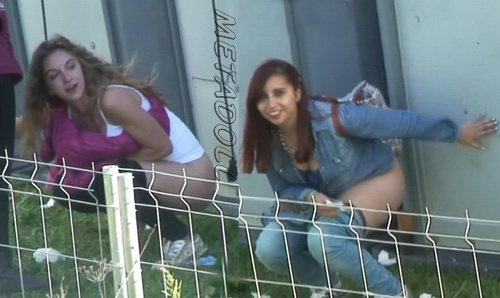 Girls Gotta Go 21 (Spanish girls peeing at a public festival SpyCam)