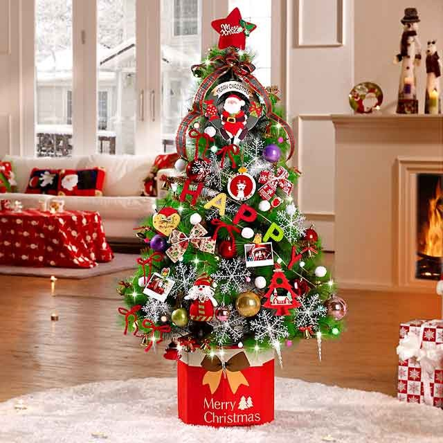 980e0aa13b1b Το χριστουγεννιάτικο δέντρο των παιδιών. Τα παιδιά θα χαρούν πολύ να  στολίσουν μόνα τους