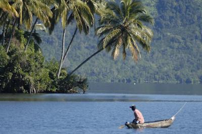 Keindahan Wisata Danau Ranau di OKU Selatan Sumsel