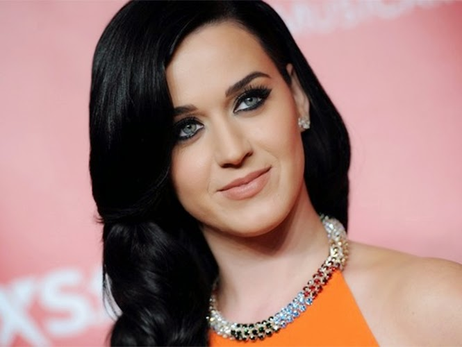 Katy Perry Gets in Touch with Psychic 90210