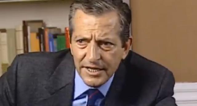 Adolfo Suárez no sometió a referéndum la monarquía porque las encuestas le dijeron que perdería