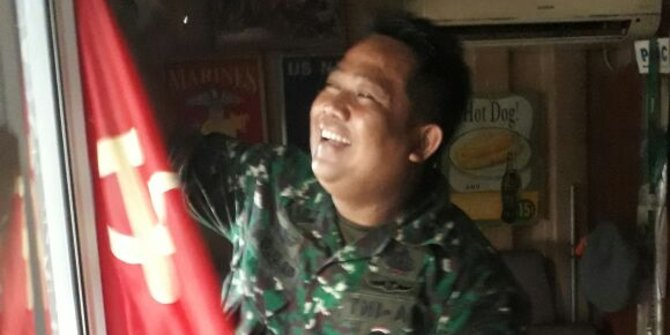 Kacau, Tak tahu simbol PKI, kafe di Jalan Antasari pasang bendera palu arit!