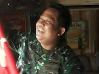 Tak tahu simbol PKI, kafe di Jalan Antasari pasang bendera palu arit, ini yang dilakukan Babinsa Kodim