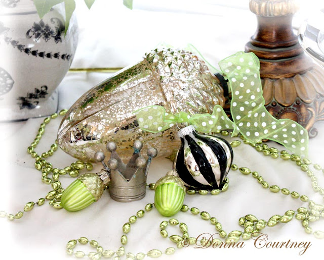The Decorated House ~ Donna Courtney : Christmas Decorations Lime Green