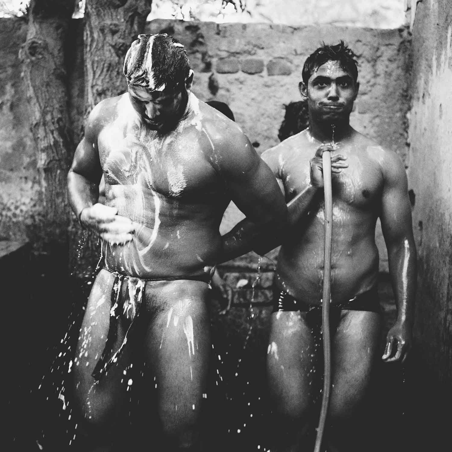 Bathing Wrestlers In A Delhi Akhara-7415