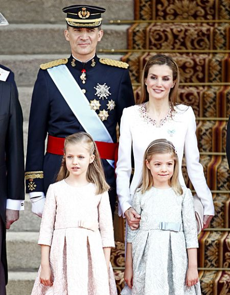 King Felipe IV and Queen Letizia with their daughters after the coronation