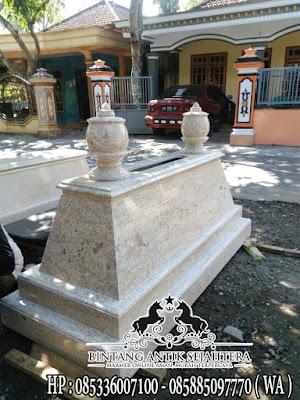 Makam Mataram Bromo Agung