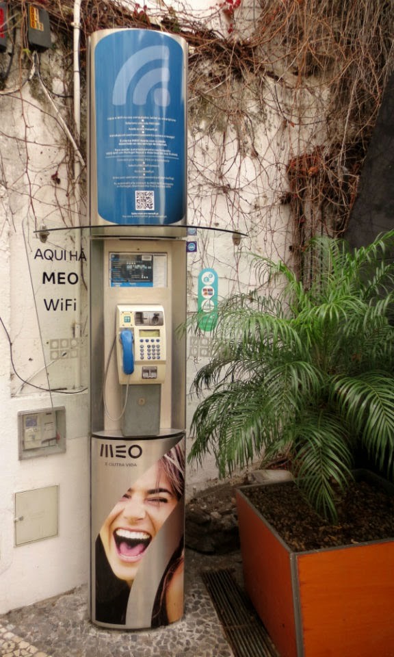 new MEO image in public phones