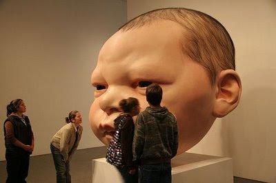 Escultura gigante hiperrealistas
