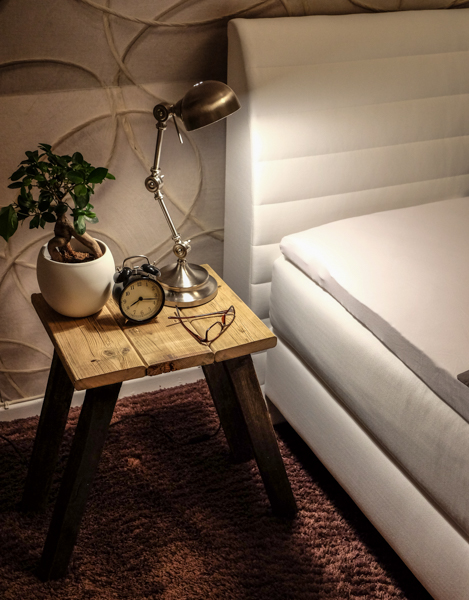 fim.works | Fotografie. Wortakrobatik. Wohngefühl. | DIY - Nachttisch aus altem Holz