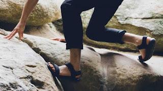 Model Sandal Gunung pria kekinian