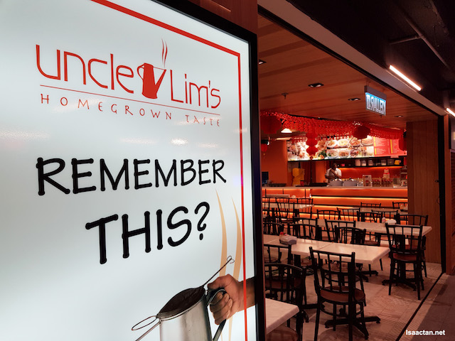 Uncle Lim's Cafe, our choice destination as recommended by the app