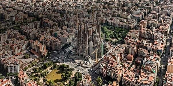 La Sagrada Familia Hakkında Bilgi