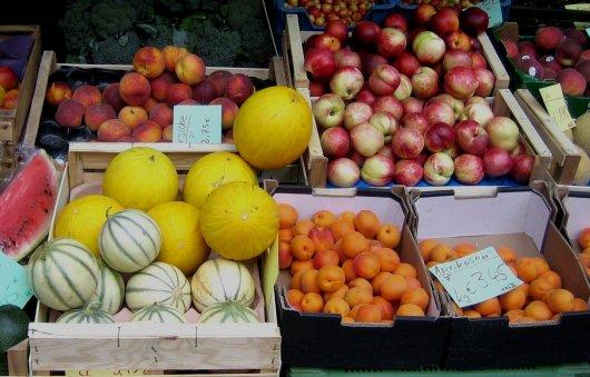 Alimentos à venda na feira