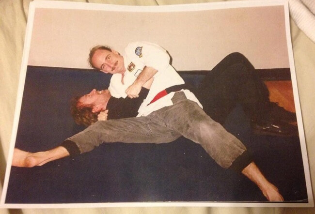 22 Photos That Utterly Capture Powerful Feelings - 'Chuck Norris being pinned by my dad!'