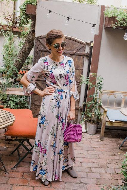 sukienka, sukienka maxi, boho, jesienne , maxi sukienka, sukienka w kwiaty, stylistka porady stylistki, botki, stylizacje, kolorowe stylizacje, butik, blog, blog po 30-tce,