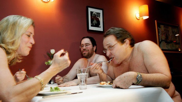 46,000 people book to eat naked at London's first 'natural' restaurant