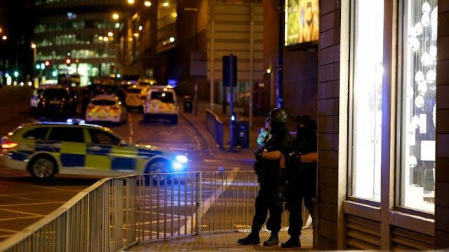 Τρομοκρατικό αιματοκύλισμα στην αρένα του Μάντσεστερ: Πολλοί οι νεκροί και οι τραυματίες