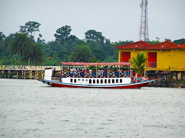 Ferry at Eco Tourism Park, Kolkata