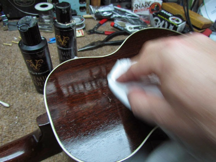 1927 gibson tu tenor ukulele clean up crawls backward when alarmed. Black Bedroom Furniture Sets. Home Design Ideas