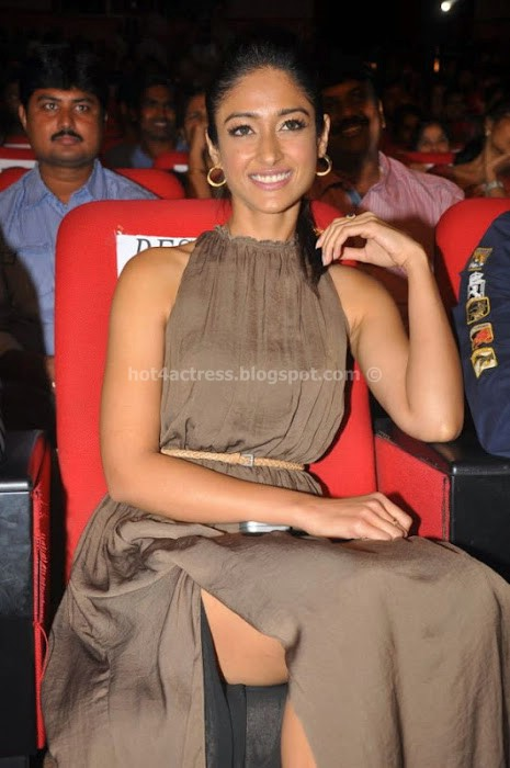 Ileana  at devudu chesina manushulu audio launch