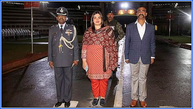 IAF Wing Commander pilot Abhinandan Varthaman returns back to India