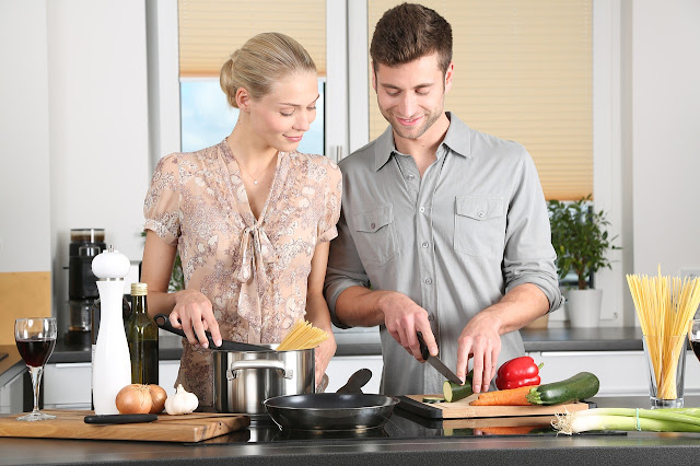 Cook dinner together on Valentine's day as a new couple