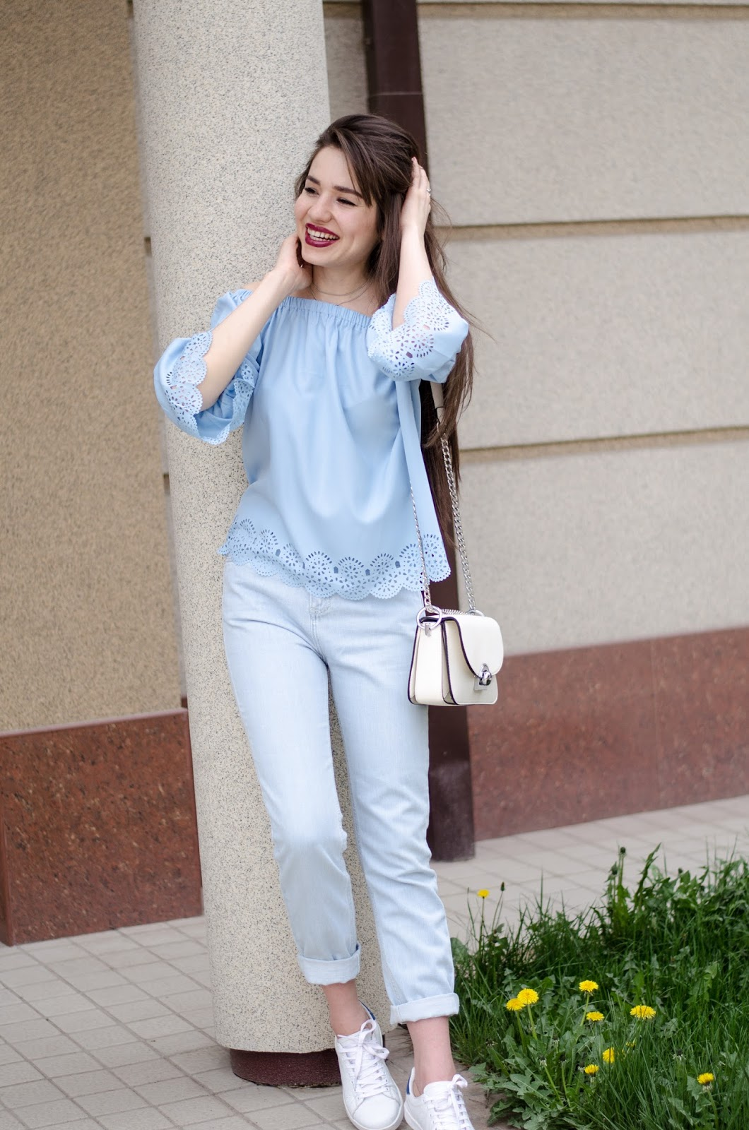 fashion blogger diyorasnotes diyorabeta offtheshoulder top romwe denim jeans white sneakers