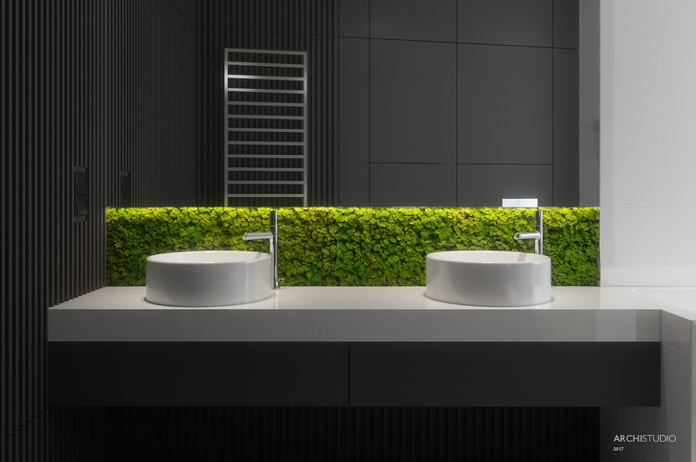 moss-backsplash