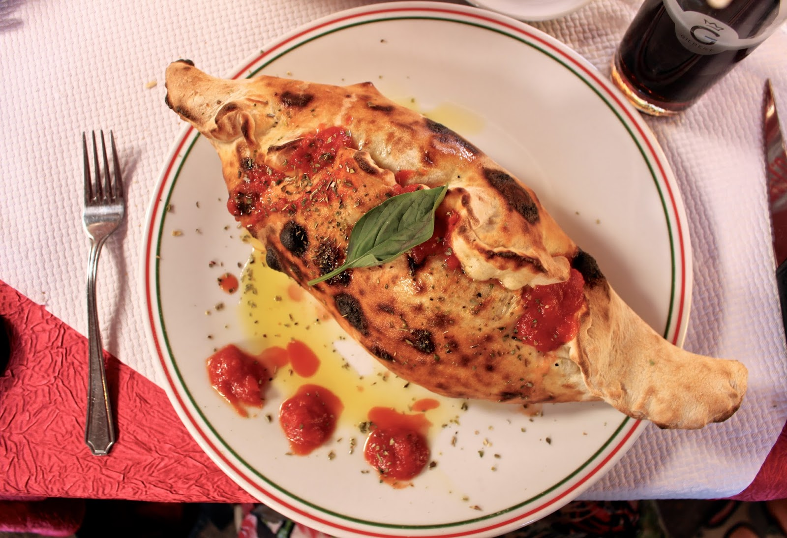 Calzone served at La Roma in Saint-Raphaël