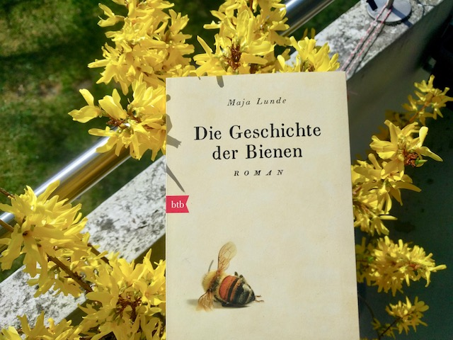 https://www.randomhouse.de/Taschenbuch/Die-Geschichte-der-Bienen/Maja-Lunde/btb-Taschenbuch/e543271.rhd