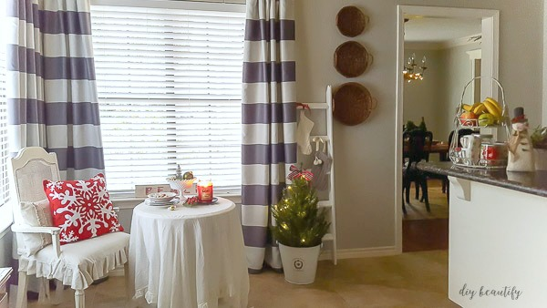 Christmas in the Kitchen and New Curtains | DIY beautify