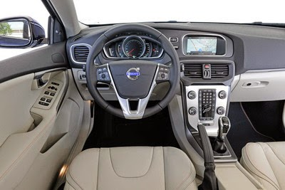 Spesifikasi Volvo V40 Cross Country