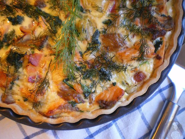 Pastel de salmón con espinacas y setas