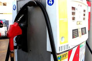 Petrobras reduz preço de gasolina nas refinarias e reajuste entra em vigor nesta terça-feira