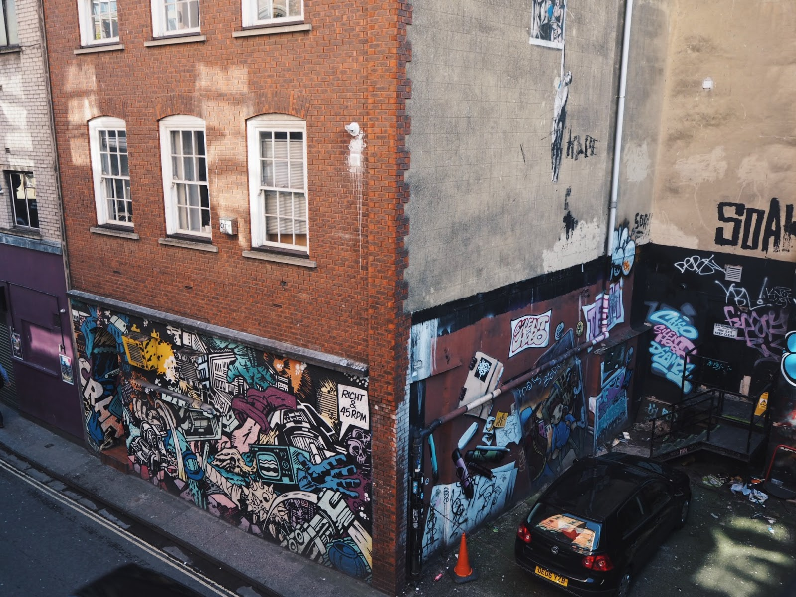 bristol banksy street art graffiti
