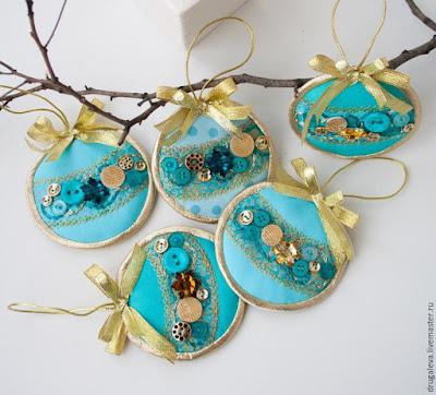 decorazioni natalizie ricamate con bottoni fai da te