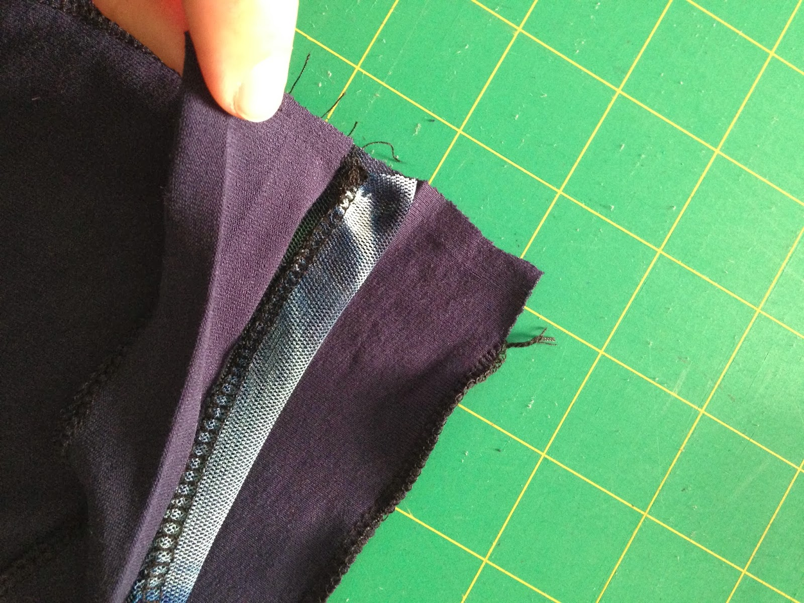 Fabric Mart Fabricistas  Made by a Fabricista  Sewing with Mesh Knits fd10c274d