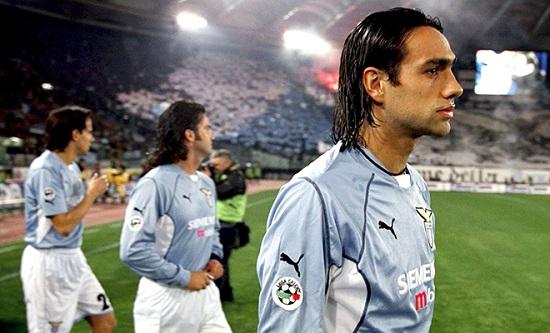 Hậu vệ Alessandro Nesta đã bước sang tuổi 36.
