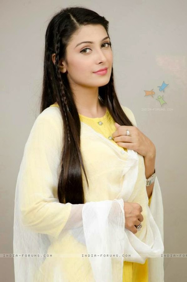 Cute And Stylish Girl Wallpaper Hd Aiza Khan Best Hd Wallpaper Biography All Dramas Latest