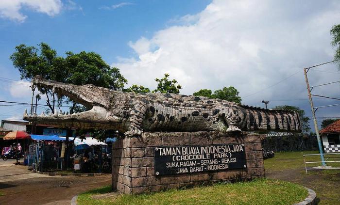 Wisata Bekasi Taman Buaya Indonesia Jaya,