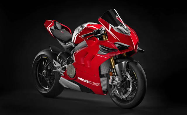 EICMA 2018: DUCATI PANIGALE V4R UNVEILED, WEIGHS 165KG MAKES 234PS!