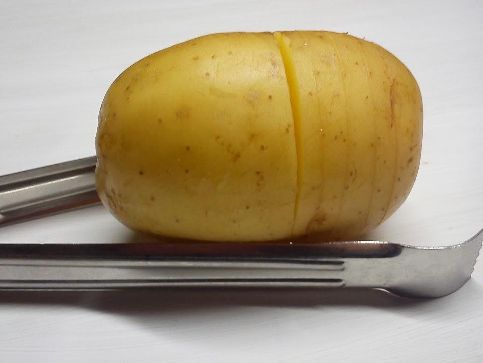 Patata  Hasselback, Corte