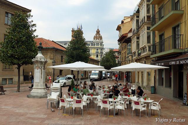 Universidad y Banco asturiano, Oviedo