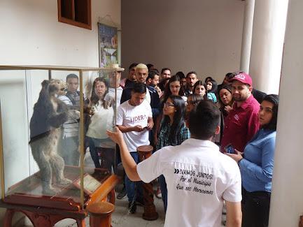 """Jóvenes de la Fundación """"Presente/Futuro"""" visitaron el municipio Rivas Dávila"""