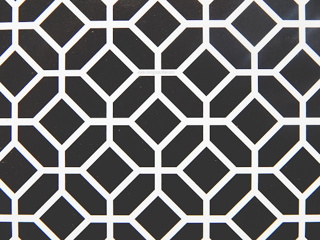 black and whit geometric pattern