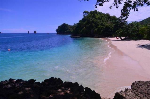 Wisata travel Pantai Tiga Warna, Malang, Jawa Timur