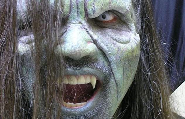 serangan vampir penghisap darah manusia di desa Dekekuoi
