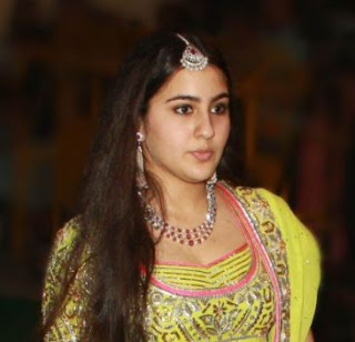 Sara Ali Khan Family Husband Son Daughter Father Mother Marriage Photos Biography Profile.