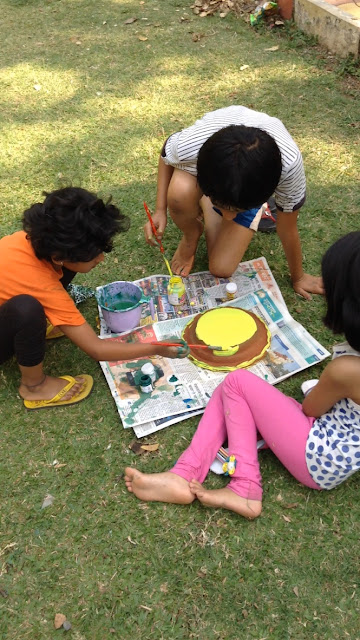 Kids paint earthen pots at their Holi celebrations - 5 (Event organised by Indiaart Gallery and Suyog Mitra Mandal)